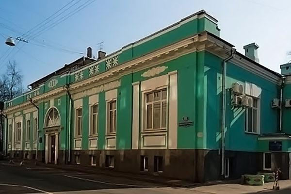Dvorets-Brakosochetaniya-1-s-naruzhi-01