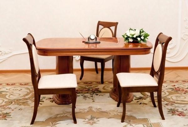 Kutuzovskii-zags-mesto-stol